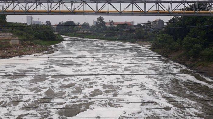 Komisi II Sebut Pemkot Kurang Tegas Terhadap Pencemar Kali Bekasi BEKASIMEDIA.COM | MEDIA BEKASI SEJAK 2014