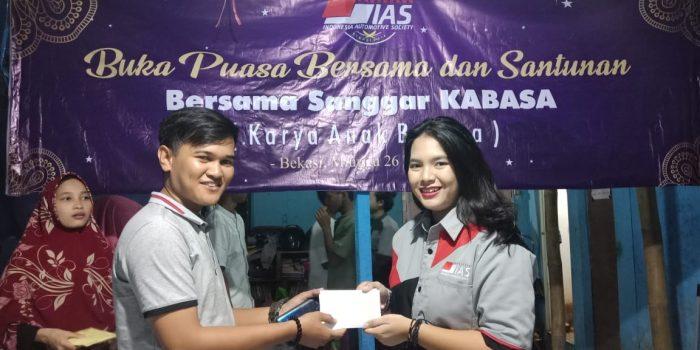 Ramadhan, Indonesia Automotive Society Santuni Sanggar Anak Jalanan BEKASIMEDIA.COM |