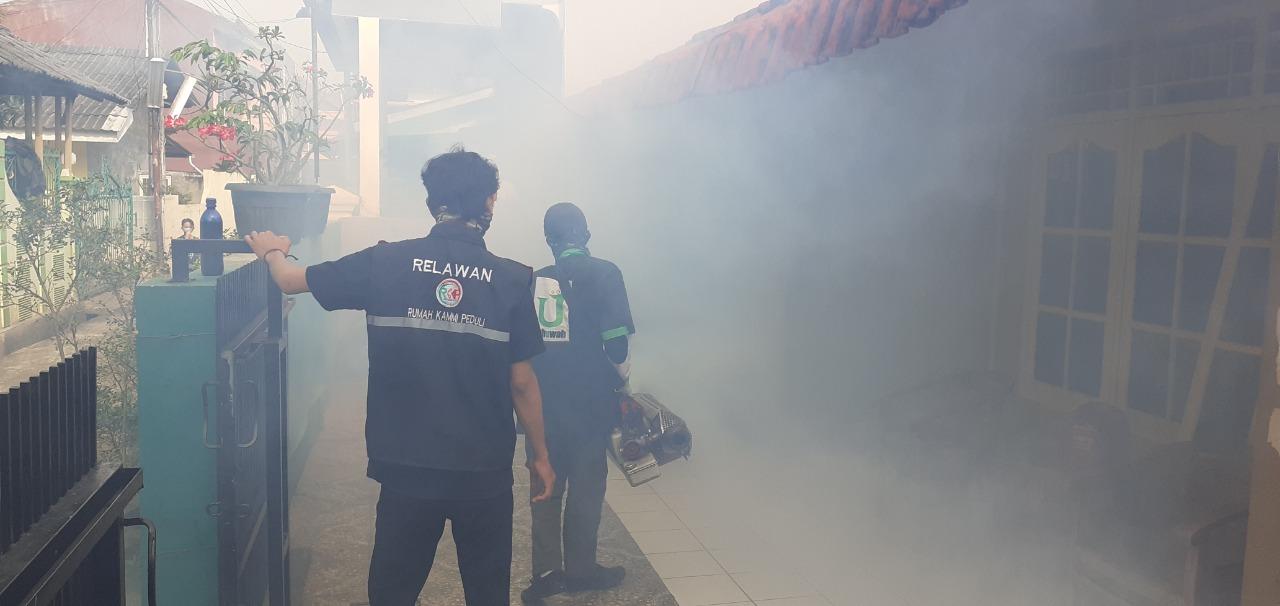Peringati Hari Jadi ke-23 Kota Bekasi, KAMMI Gelar Baksos Fogging BEKASIMEDIA.COM | MEDIA BEKASI SEJAK 2014