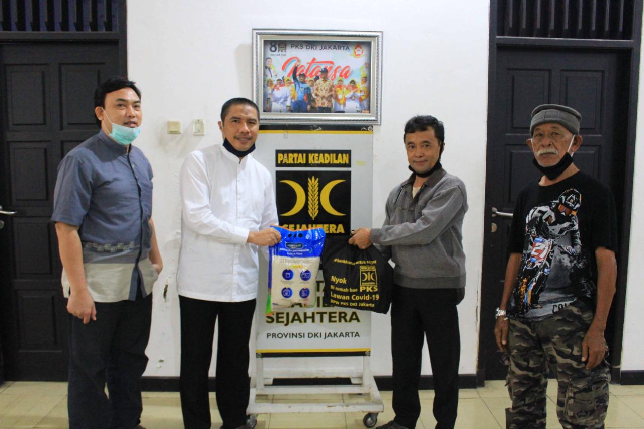 Harlah Ke 22, PKS DKI Jakarta Berikan Bantuan Sosial Senilai Rp 2,2 Miliar BEKASIMEDIA.COM |