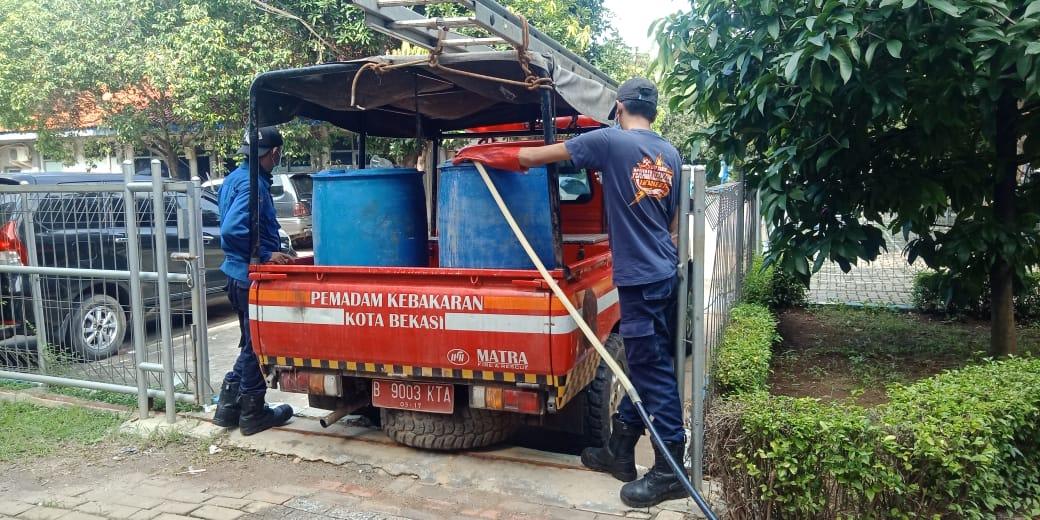 PDAM Tirta Patriot Bantu Air Bersih untuk Dapur Umum Posko Induk Covid-19 BEKASIMEDIA.COM