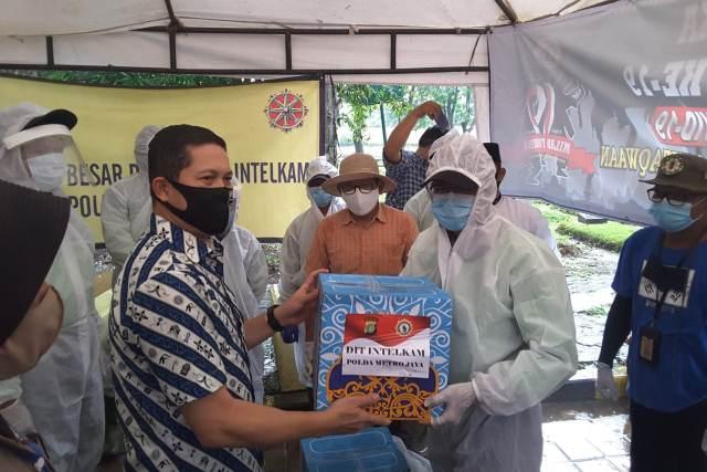 Kapolda Metro Jaya Salurkan Bantuan bagi Pengurus TPU Pondok Ranggon BEKASIMEDIA.COM | MEDIA BEKASI SEJAK 2014