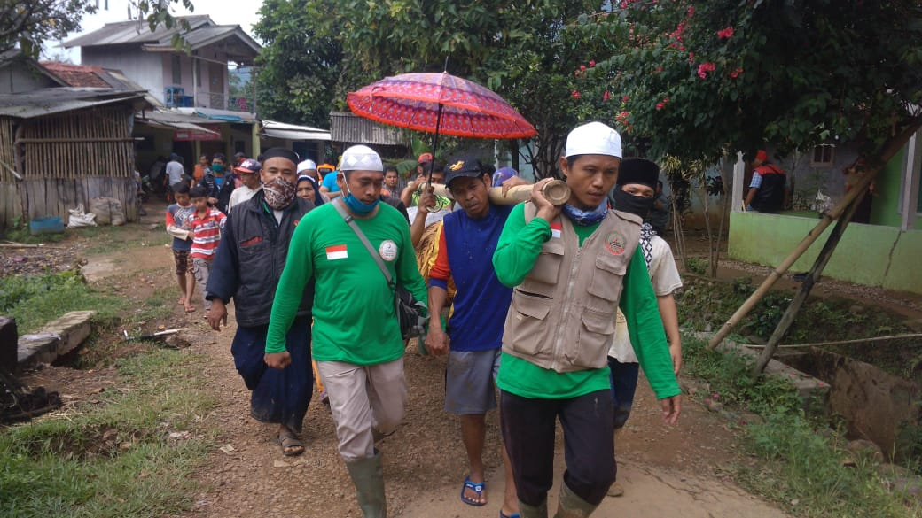 Banjir dan Longsor Terjang Kampung Suluduk Bogor BEKASIMEDIA.COM