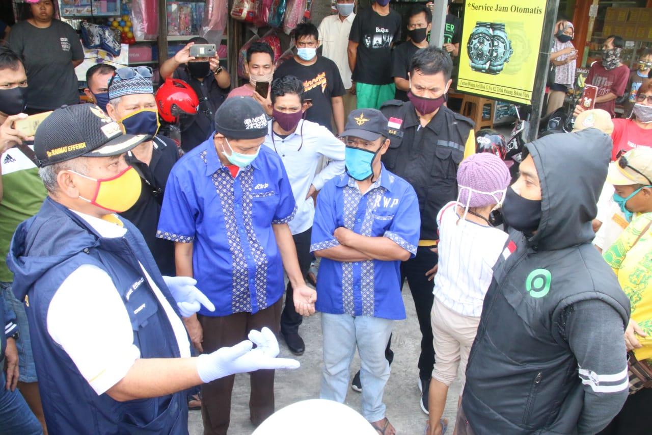 Rahmat Effendi Datangi Pasar, Jelaskan Langsung Hasil Tes PCR Positif Covid-19 BEKASIMEDIA.COM | MEDIA BEKASI SEJAK 2014