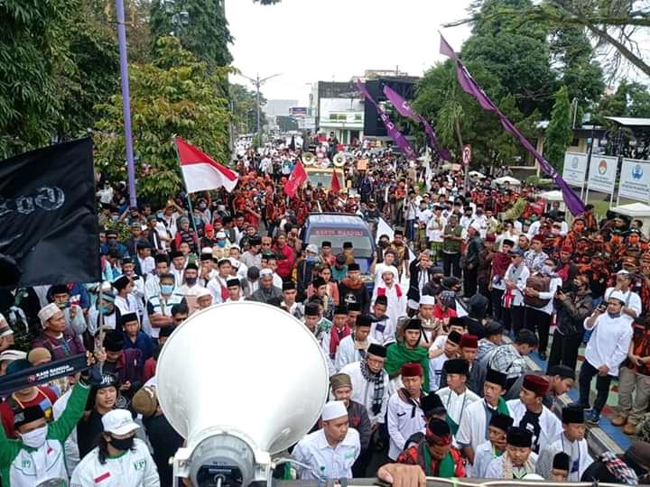 Ribuan Massa Ciamis Tumpah di Jalan Tolak RUU HIP-PIP BEKASIMEDIA.COM  
