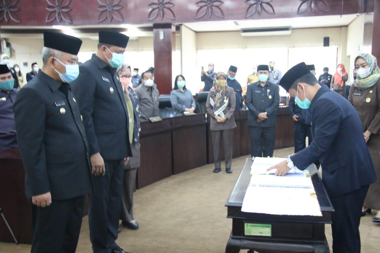 Sidang Paripurna Kesepakatan KUA PPAS Kepala Daerah dengan Pimpinan DPRD Kota Bekasi BEKASIMEDIA.COM |