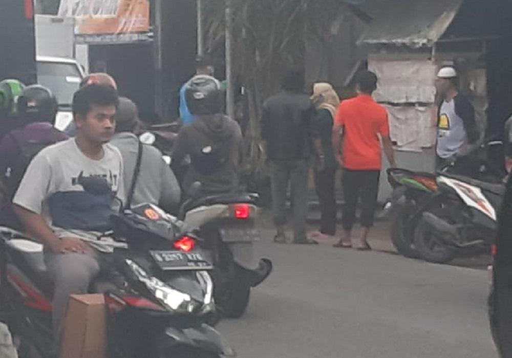 Ada Orang Tiba-Tiba Meninggal di Jalan Pemuda Kranji BEKASIMEDIA.COM |