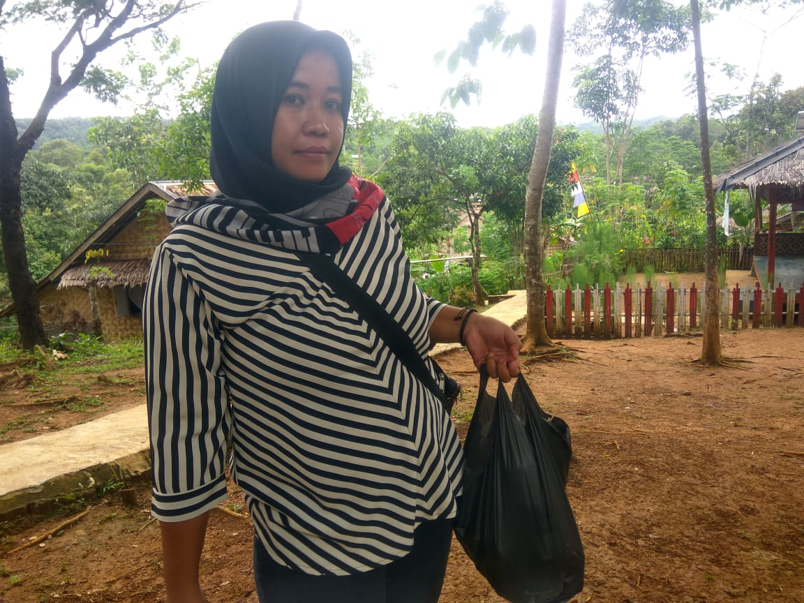 Teh Bedah, Keturunan Baduy yang Jualan Online dari Pedalaman BEKASIMEDIA.COM  