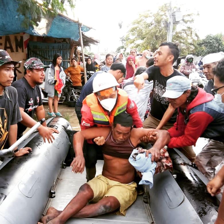 Tanggul Citarum Jebol, BSMI Evakuasi 300 Lebih Warga Rentan di Bekasi BEKASIMEDIA.COM   MEDIA BEKASI SEJAK 2014