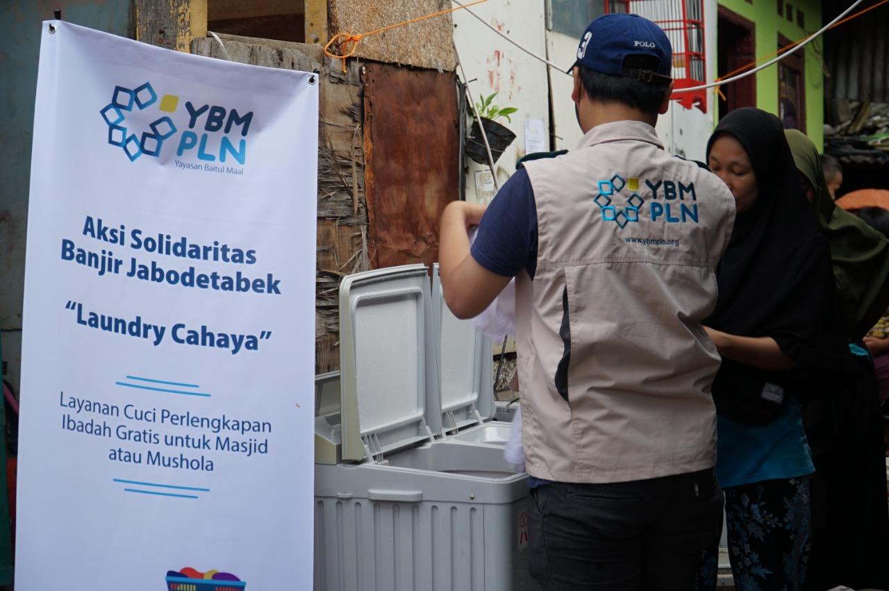 Tanggap Siaga YBM PLN Bantu Korban Banjir di Jabodetabek BEKASIMEDIA.COM