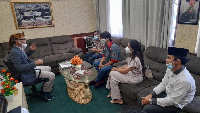 Ketua DPRD Harap Komunitas Mobil Punya Peran Signifikan Dalam Pembangunan di Kota Bekasi BEKASIMEDIA.COM |