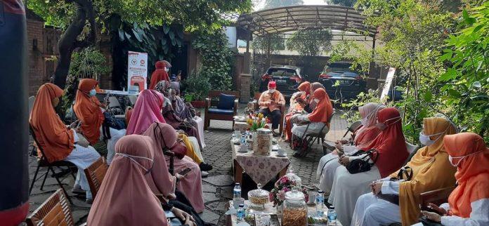 Didukung Emak-emak Pondokgede, Heri Koswara Siap Maju di Pilkada Kota Bekasi BEKASIMEDIA.COM |