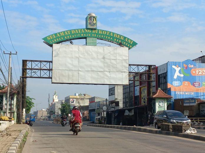 Arus Lalu Lintas di Sejumlah Ruas Jalan Menuju Kota Bekasi dan Sebaliknya Terpantau Lancar BEKASIMEDIA.COM |