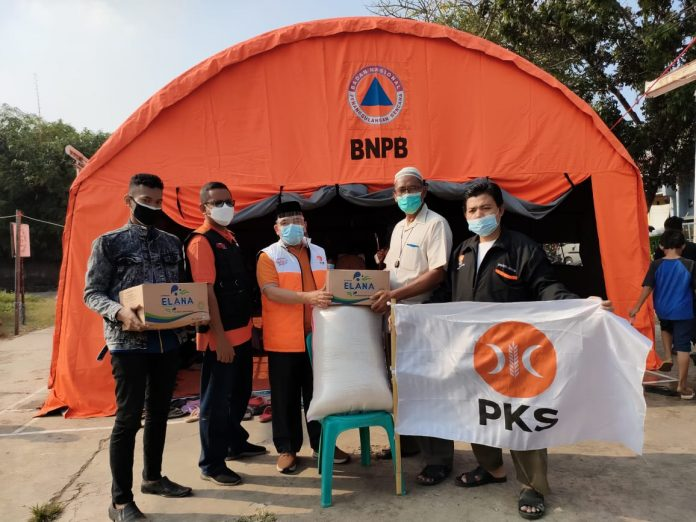 Heri Koswara Bantu Warga Korban Kebakaran di Duren Jaya Bekasi Timur BEKASIMEDIA.COM  